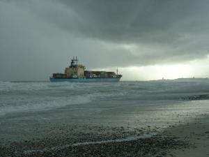 stranded-ship-1481404